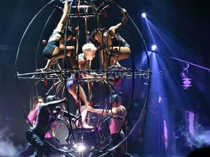P!nk- No safety, just mats on the stage floor.*