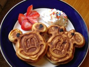 Mickey-and-Minnie-Waffle
